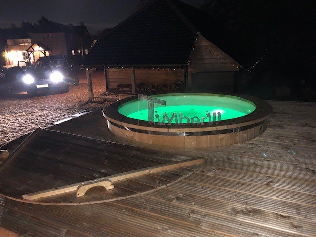 ELECTRIC OUTDOOR HOT TUB SPA, Alan, Newport, U K (2)