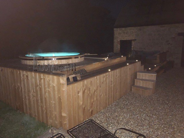 ELECTRIC OUTDOOR HOT TUB SPA, Alan, Newport, U K (3)